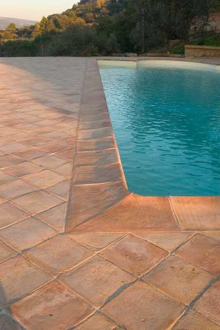 Pavimentazione per esterni terrazze giardini e viali for Pavimentazione della piscina